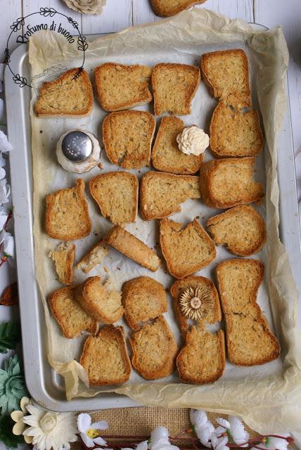 Pane senza glutine per fare il pangrattato fatto in casa