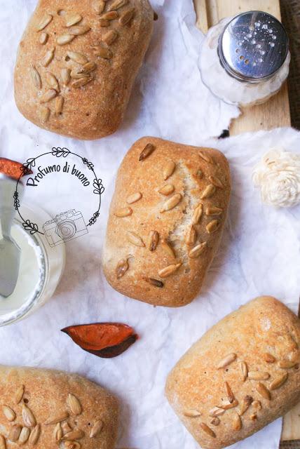 Ciabattine rustiche senza glutine con semi di girasole