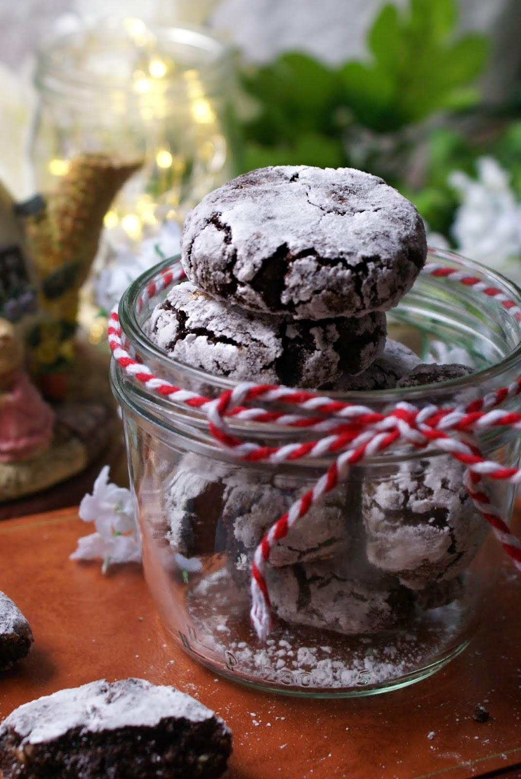 Gluten free almond cocoa cookies