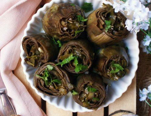 Carciofi ripieni di aglio e prezzemolo