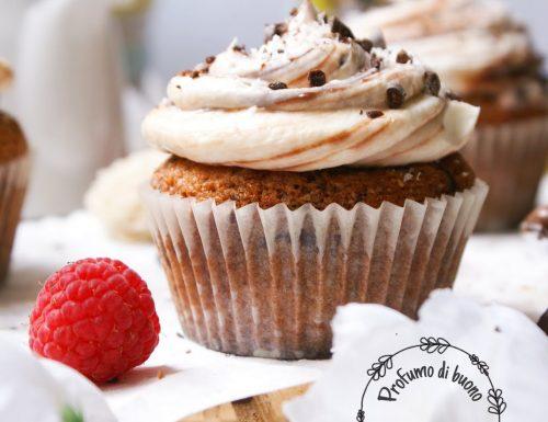 Muffin al cocco e cioccolato senza glutine con frosting