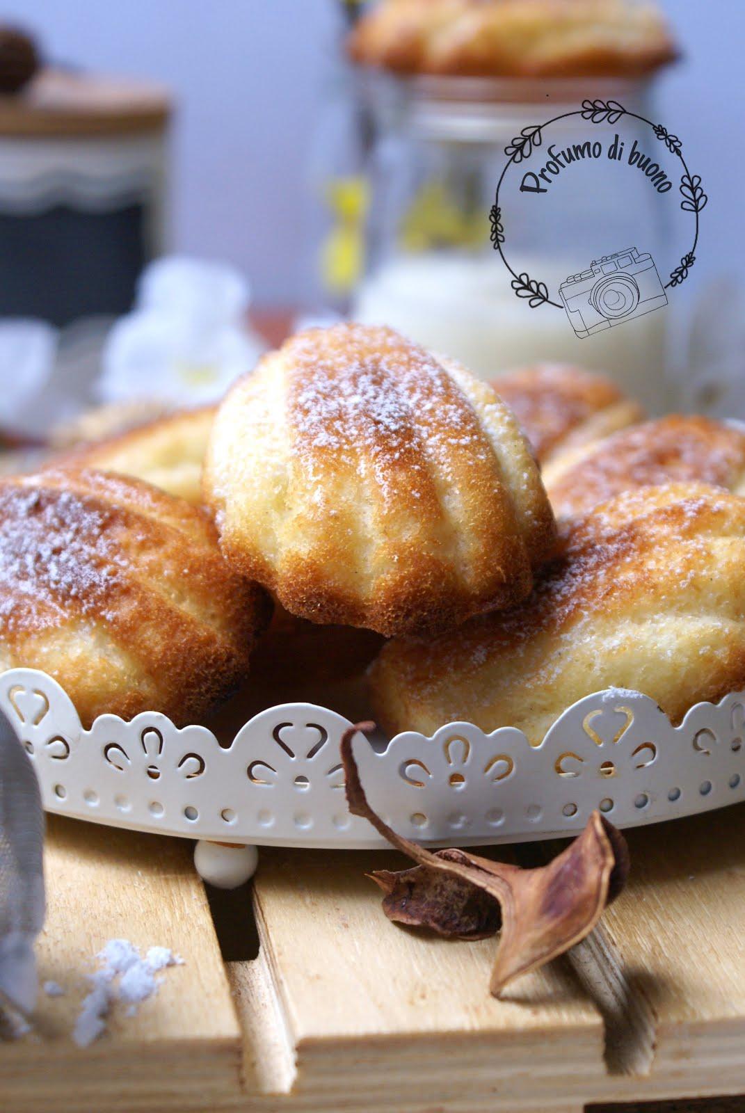 Madeleneis senza glutine con zucchero a velo