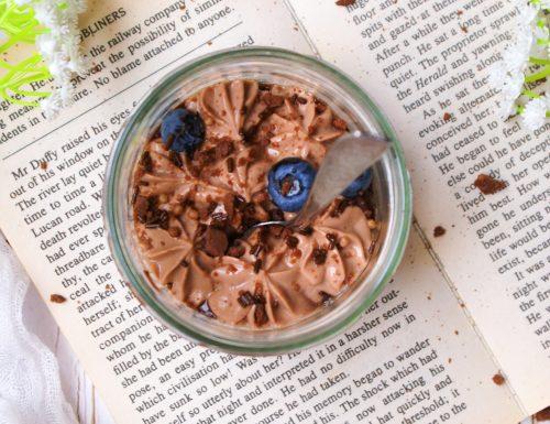 Vasetti ai mirtilli senza glutine con crema di nocciole