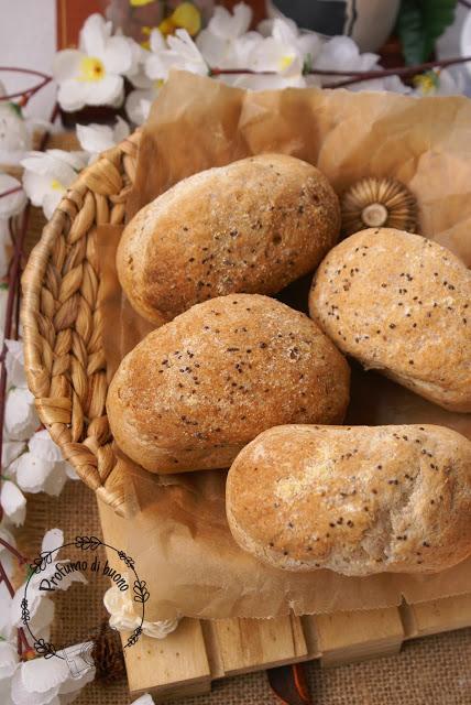 Panini semplici senza glutine con semi