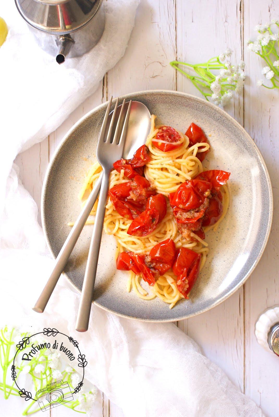 Spaghetti con pomodori confit