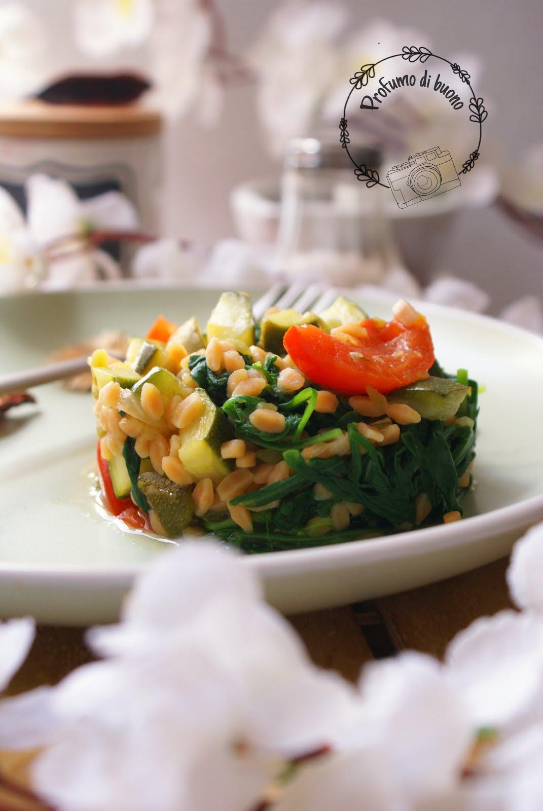 Legumotti con zucchine, pomodorini e rucola