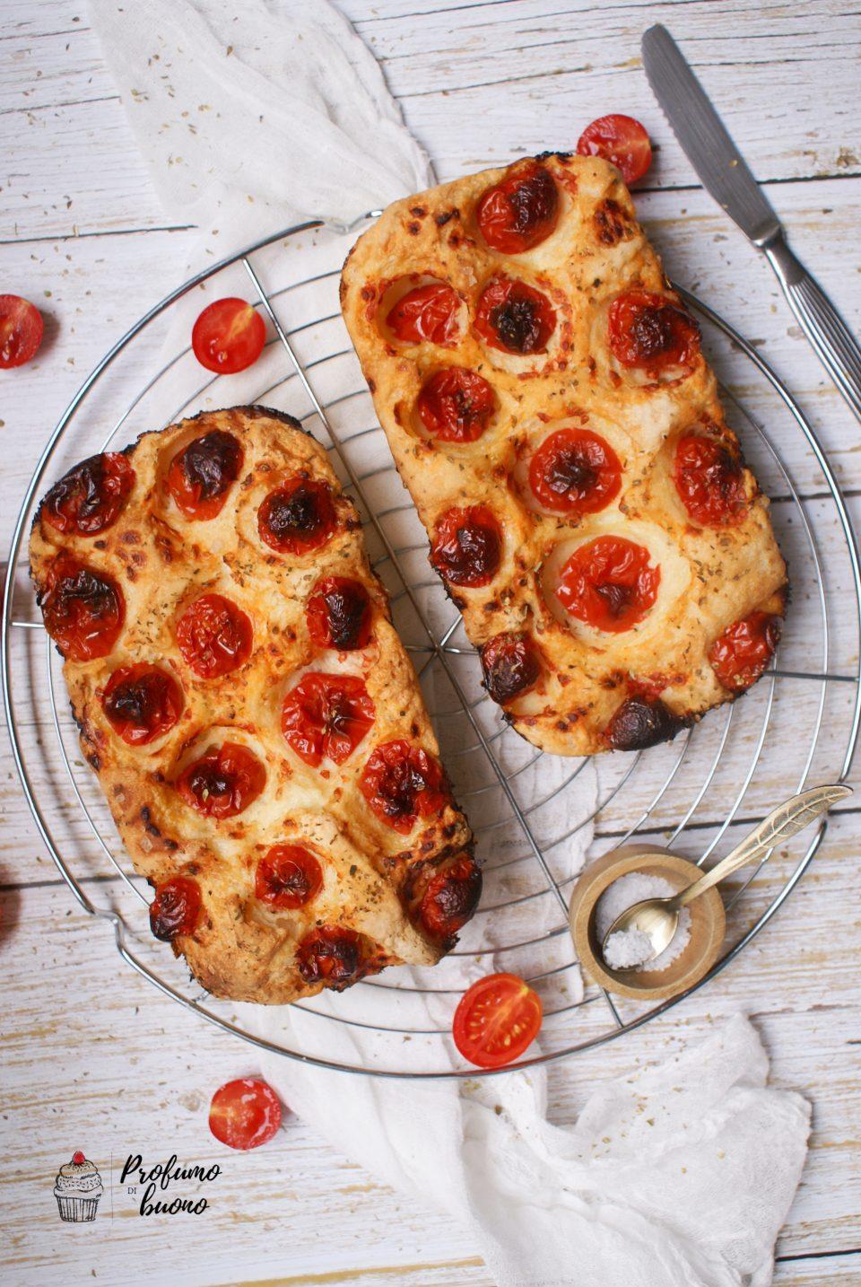 Focaccia senza glutine nella ZeroGlu con pomodorini e origano