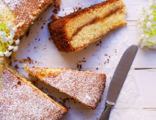 Torta versata senza glutine alla marmellata