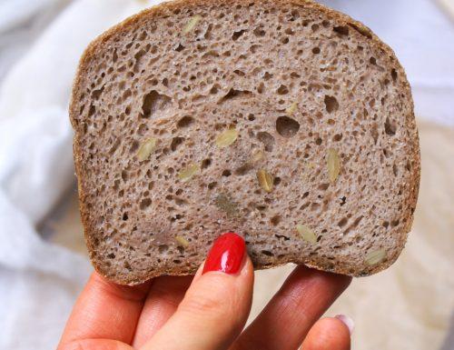 Pane rustico ai semi senza glutine