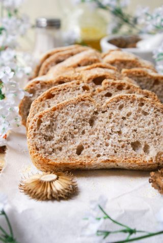 Secrets of wholemeal bread without gluten