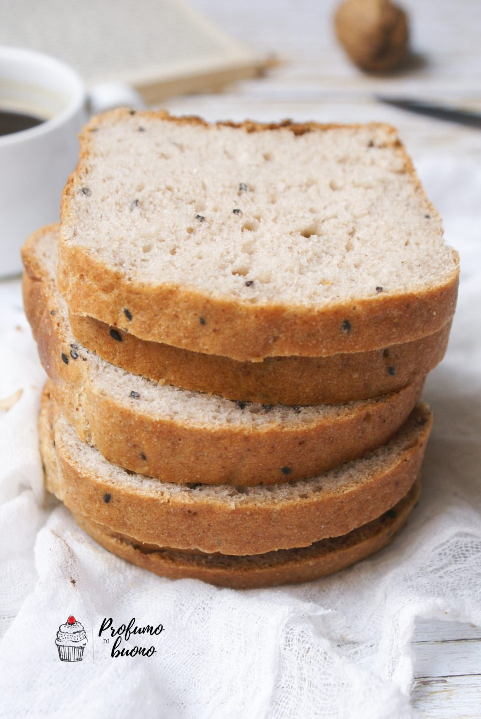 Pane integrale senza glutine in cassetta