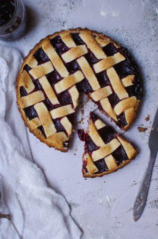 Crostata senza glutine con farina Biaglut e marmellata di frutti di bosco