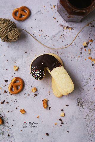 Biscotti di Natale senza glutine a forma di stecche di zucchero