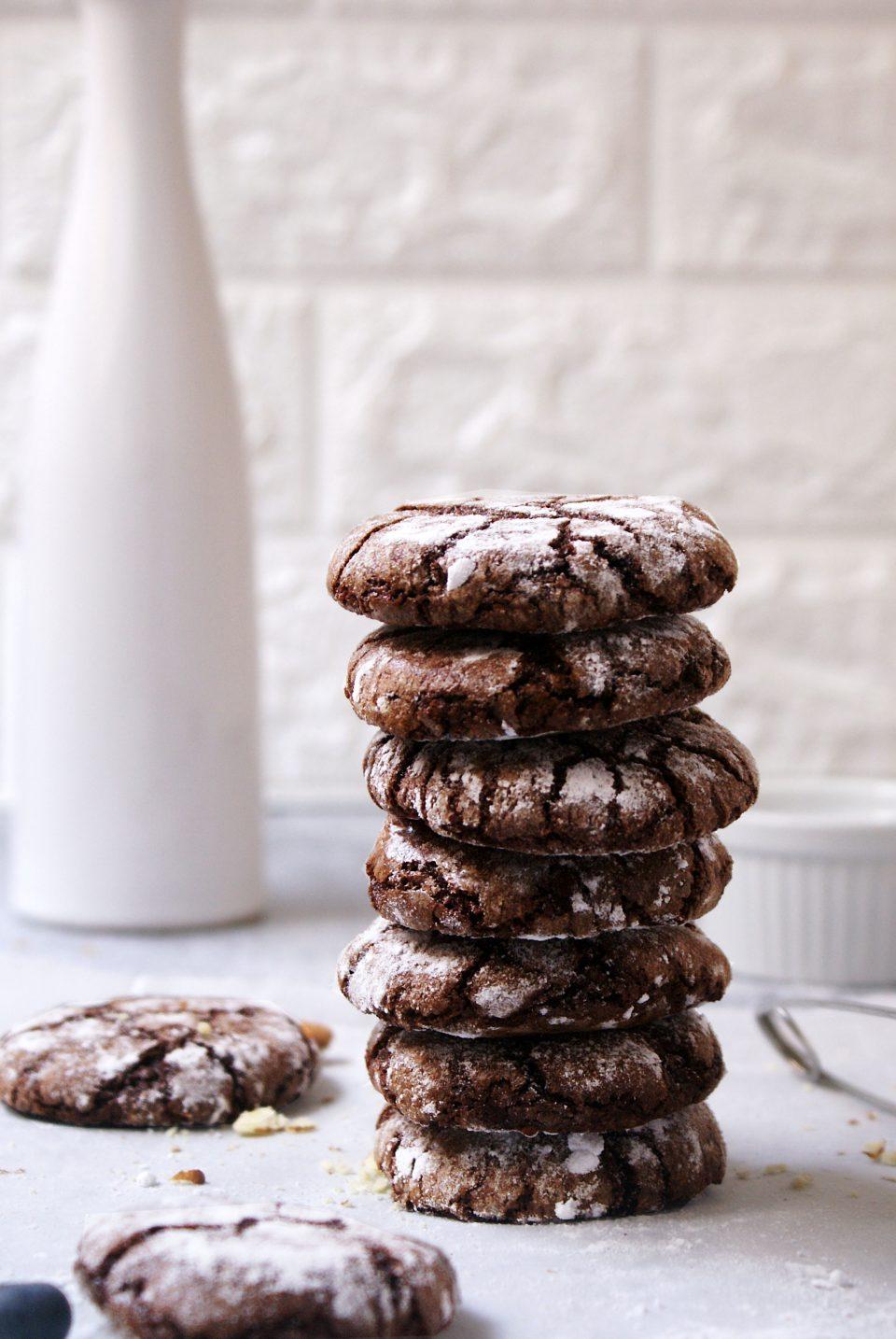 Gluten free almond crinkle cookies
