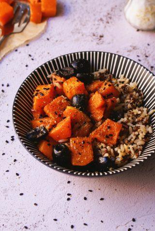 Cereali antichi con zucca aromatica e olive
