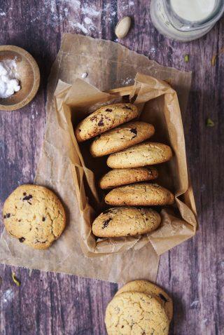 Biscotti con farina di mais e cioccolato