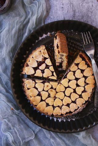 Crostata al grano saraceno senza glutine con marmellata di ribes