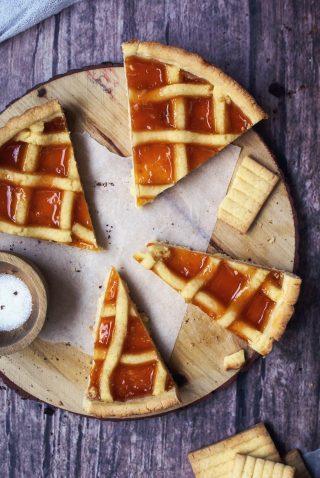 Crostata senza glutine con marmellata di albicocche