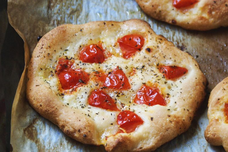 "Gluten free ""pizzette"" with tomatoes"