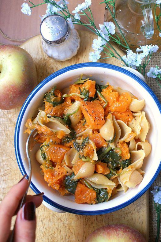 Ricette con zucca, Pasta con zucca e spinaci