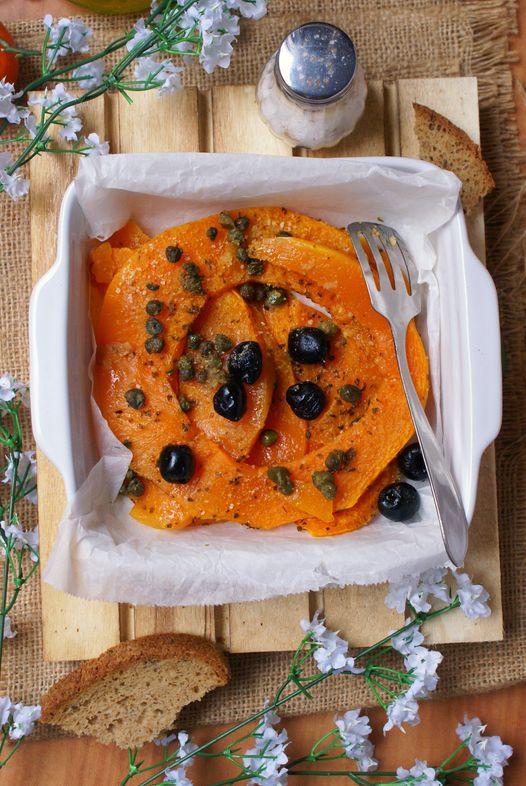 Zucca al forno con olive e capperi