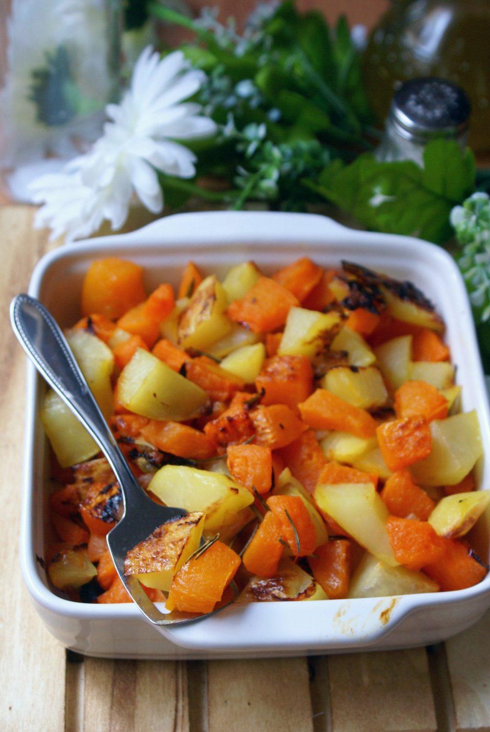 Patate al forno con zucca e rosmarino