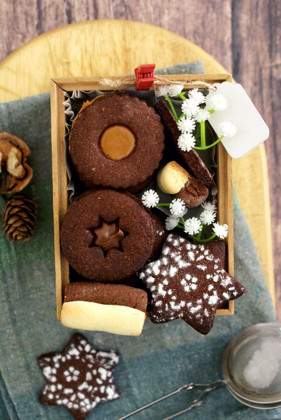 Biscotti di pasta frolla alla Nutella ripieni di Nutella e burro di arachidi